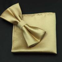 pajarita de seda dorada al por mayor-CityRaider Nueva Moda Solid Gold Mens Pajaritas de Seda Para Hombres Bowtie Con Match Pocket Square 2pcs Set 8CM Color Cravate CR052