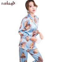 ae71fa38a6 Fdfklak Nueva impresión pijamas de las mujeres conjunto manga larga primavera  otoño seda pijamas ropa de dormir ropa de casa pijama mujer M-2XL