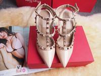 saltos altos brilhantes venda por atacado-Couro de alta Qualidade Sapatos de Salto Alto Senhora Designer Sandálias Sapatos de Couro Brilhante Várias Cores Disponíveis Sapatos com caixa