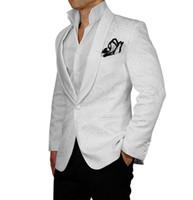 Neueste Design Groomsmen Smoking Lila Druckmantel (Jacke + Pants) Männer  Anzug Für Hochzeit Prom Besten Mann Herren Anzüge b2610ef217