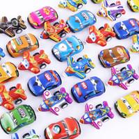des voitures achat en gros de-Mini-scooter en plastique rétroaction de couleur Pull Back Cars et avion Voitures-jouets pour enfants Roues Mini modèle de voiture Funny Kids Toys cadeaux de Noël
