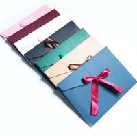 paquetes de invitación al por mayor-Originalidad Cinta de seda Sobre Retro Colorido Embalaje Caja Sobres Color puro Invitación en blanco Tarjeta Regalo con Bowknot 0 65yf jj