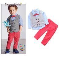 bebek boyun kravat takımları toptan satış-Çocuklar Erkek Takım Elbise 3 Adet Bebek Tasarımcı Giysi Ins Beyefendi Düğme Yelek Papyon Kot Cep Gömlek Sonbahar Bahar Resmi Butik Giyim Setleri
