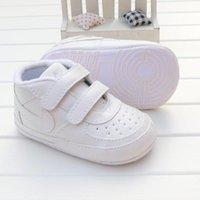 corazón bebé zapatos niño al por mayor-Zapatos del modelo del recién nacido Niño Niña estrella del corazón Los niños primeros caminante niños de hasta 11 cm PU zapatillas de deporte con cordones-12 CM-13 K889 regalo del bebé