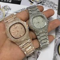 precio caja de relojes al por mayor-2018 relogio masculino lujo todos los diamantes reloj para hombre vestido de oro reloj de pulsera Diales azules relojes mecánicos precios Caja barata Reloj masculino mancha