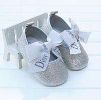 bébé glisse achat en gros de-New Baby Toddler Girls Crib Chaussures Princesse Fleur Doux Prewalker Semelle Souple Anti-Slip
