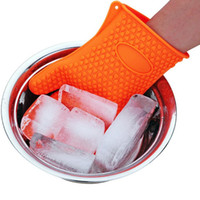 Wholesale oven plates cooking for sale - Group buy Barbecue Silicone Heat Holder Gloves Kitchen Oven Mitts Cook Microwave Resistant Gloves Pot Holder Kitchen Tools