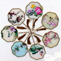 chinesische silk dekorative blumen großhandel-Volle Handgemachte Maulbeerseide Hand Fans Blumen Doppel Gestickte Chinesische Geschenk Fan High End Bambusgriff Dekorative Fan Hochzeit