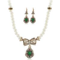 fe8866c3e8e0 Conjuntos de joyas de perlas pendientes de cristal verde rojo con cuentas  arco collar retro diamantes mujeres niña joyería de noche vestido de noche  ...