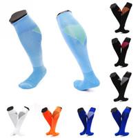 nylon-slip-socken groihandel-Benutzerdefinierte Logo lange Rohr Fußball Socken rutschfeste Sport Fußball Compression Sock Sport Running Sockings 10 Arten Unterstützung FBA Drop Shipping G468Q