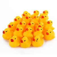 juguetes para niños pato al por mayor-Mini Pato de goma pato de baño Pvc con sonido Pato flotante Bebé Baño de agua Juguete para nadar Playa Regalo para niños