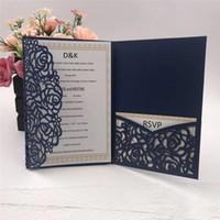 accesorios azules de china al por mayor-Invitaciones de boda de bolsillo de corte láser azul marino 2019 Invitaciones personalizables con sobre Accesorio de boda En blanco Interior personalizado