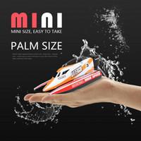 mini oyuncaklar toptan satış-Sevimli RC Mini Tekne oyuncak 2.4 GHz Uzaktan Kumanda Yüksek verimli motor Mini Tekne Yarış Sürat Teknesi Model Gemi Araç Oyuncak çocuklar için