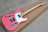 e-gitarre rosa großhandel-E-Gitarre mit rosa Body und weißen Pickguard, Chrome-Hardware und kann als Anfrage angepasst werden