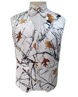 ingrosso maglia bianca-2019 White Camo Groom Gilet Gilet matrimonio Realtree Spring Camouflage Slim Fit Gilet uomo Set 2 pezzi (Gilet + Fiocco) Custom Made Plus Size