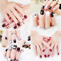dedos falsos al por mayor-41 diseños falsos uñas artificiales 24pcs Mujeres uña uñas cortas largas falsas con pegamento diseños lindos para clavo de DIY