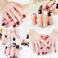 ingrosso falsi falsi chiodi chiari-41 disegni unghie finte 24pcs artificiali donne unghie unghie corte lunghe unghie finte con colla disegni carini per unghie fai da te