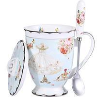 тонкий фарфор оптовых-Чайная чашка с крышкой и ложкой Набор Royal Fine Bone Китайская кофейная кружка 11 унций Голубой чайные чашки Подарок для женщин Подарочная коробка для мамы.