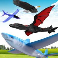 uçan kayıklar oyuncakları toptan satış-El Başlatılması Planör Uçak Atalet Köpük Planör Shark Kartal Fly Ejderha Modeli Açık Spor Uçan Oyuncak Çocuklar Için Hediye