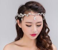 europäischer kamm großhandel-Koreanische Brautstrauß Augenbraue Herz Anhänger Diamant Hochzeit Tiara heißen Diamant Krone Brautschmuck Europäischen Hochzeit Krone Haar Kamm Tiaras