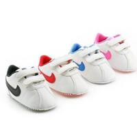 bébé premier chaussures star achat en gros de-Bébé Chaussures Garçons Nouveau-nés Filles Coeur Motif Étoile Premiers Marcheurs Enfants Tout-Petits À Lacets Baskets En PU 0-18 Mois