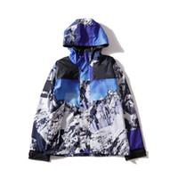ropa de nieve al por mayor-Chaqueta de calidad superior de las letras de la marca 2 para hombre Chaqueta de la capa con la nueva sudadera con capucha de la montaña de la nieve encapuchada Ropa masculina M-XXL