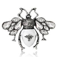 eski eşarp pini toptan satış-Vintage Böcek Kelebek Broş Korsaj Yaka Iğneler Eşarp Toka Elbise Şapka Takım Elbise Aksesuarları Broş Pin Kristal Rhienstone Broach Takı