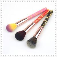pincéis para pintura venda por atacado-Moda de 3 cores Pincéis de Maquiagem punho único punho de madeira rachado blush escova blush escova escova de tinta mel retrátil Maquiagem Brushes02006