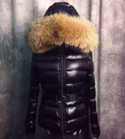 kadınlar için kürklü kaplama toptan satış-Moda Kadın Aşağı Ceket Kış Elbise Sashes Aşağı Ceket Gerçek 100% Rakun Kürk Ayrılabilir Yaka Hood Parkas Kalın S-XL