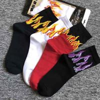 çorap çorabı toptan satış-YENI Mürettebat Çorap İngilizce Dergi Kaykay Paten Punk Metal Alev moda Kaykaycı Serin Destroy Mens Yangın Guy Sarı siyah Kırmızı Uzun çorap