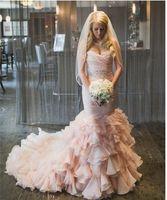 vestidos de novia de alta costura rosa al por mayor-Blushing Pink Mermaid Sweetheart Vestidos de novia coloridos con volantes de cinturón con cuentas Falda Corsé Volver Vestidos de novia modernos Couture por encargo