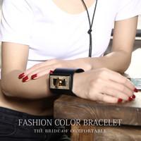 brazaletes de plástico para niños al por mayor-MARCA LUALAICNEY diseño de lujo 2016 nuevo brazalete único ancho de moda brazalete de cuero genuino negro al por mayor