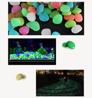 ingrosso pietre del giardino dell'azzurro blu-Caldo! Attraente creativo bagliore nel buio Pietre verde Decor Garden Outdoor Pebble Rocce luminose Blu Pretty Stylish Home Vase Decorations