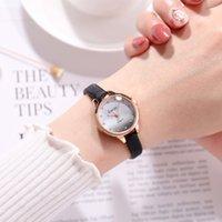 correa corta señoras al por mayor-Las mujeres de lujo de alta calidad miran la correa de cuero de moda única casual breve señoras reloj de cuarzo para mujer pulsera relojes