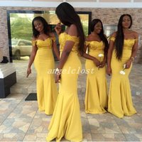 sarı artı boyutu nedime elbiseleri toptan satış-Seksi Afrika Mermaid Gelinlik Modelleri 2019 Kapalı Omuz Backless Sarı Aplikler Artı Boyutu Hizmetçi Onur Elbise Düğün Konuk törenlerinde