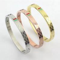 amor verde venda por atacado-Top quality aço inoxidável 316L amor pulseiras pulseiras para as mulheres por atacado vermelho e verde listras Ladies Buckle pulseira três gotas