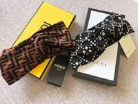 projetos de caixas de presente de luxo venda por atacado-Com caixa de design retro mulher e homens headband bandas de cabelo marca de luxo cruz elástico headbands mulheres acessórios para presente
