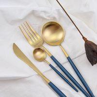 tenedor gotas al por mayor-Juego de cubiertos de oro azul Juego de vajilla de alimentos occidentales de acero inoxidable Juego de vajilla Tenedor para cuchillo de filete Envío de la gota