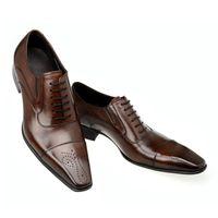 sapatos oxford para o outono venda por atacado-Primavera Outono Vestido de Moda Homens Italianos Sapatos de Couro Genuíno Dos Homens Sapatos de Vestido de Vendas de Casamento Esculpido Designer Masculino Sapatos Oxford Flats Homens