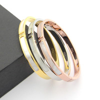 weißgold armbänder für männer großhandel-316L Titan Stahl Liebe Armreifen Armbänder für Frauen Männer drei Steine Armreif Rose Gold weiß Shell Manschette Armband