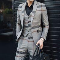männer passt graue wolle großhandel-5XL Formales Kleid Grau Mens Wolle Anzüge Mens Vintage Anzüge Plaid 3 Stück Anzug Männer Heren Kostuums 3 Delig Trajes Formales De Hombre