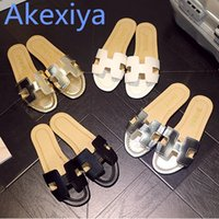 Wholesale flooring bathrooms - Akexiya 2017 Summer H Letter W Slippers Fashion Flat Heel Home Bathroom Slip-resistant Slippers Female Beach Grag Sandals