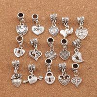 металлические браслеты оптовых-150 шт. / Лот состаренное серебро ассорти в форме сердца болтается бусы подходят европейский браслет ювелирных изделий DIY металла BM6