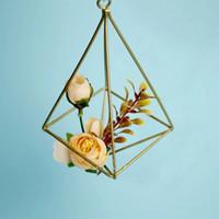 ingrosso fiori appesi in metallo-Metal Vase Iron geometry Hanging Planter Vaso Geometric Wall Decor Contenitore montato Flower Pot Decorazione della parete della casa
