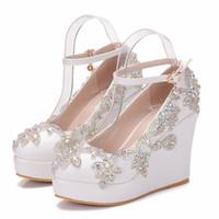 gelin ayakkabıları kama topuk toptan satış-Yeni Fashionl AB Kristal yuvarlak ayak ayakkabı kadınlar için beyaz topuklu moda platformu düğün ayakkabı kama topuk ayakkabı Artı Boyutu Gelin ...