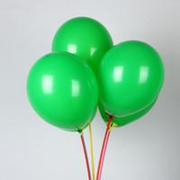 ballons verts de mariage achat en gros de-Ballons verts 50pcs / lot10 pouces 2.2g rondes ballons en latex pour les décorations noël ballon anniversaire fête de mariage fournitures enfants jouets