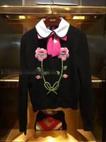 payet attırıcılar toptan satış-2018 Sonbahar Kış Pist Tasarımcı Noel Triko Örme Kadınlar Lüks Çiçek Nakış Payetler Kazaklar Jumper Giyim S118
