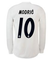 70c1143661 Real Madrid EA Sports manga longa camisa de futebol 2019 campeões da liga  10 MODELO 12 Marcelo   20 ASENSIO ISCO Fora Coral uniforme de futebol  vermelho