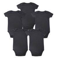 jungen 12 monate kleidung großhandel-Zartes Baby-Platz-neues Unisexjungen-Baby-Kleidungs-Baby-neugeborener Körper-Schwarzes 100% weiche Baumwolle 0-12 Monate Kurzhülse