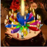 ingrosso candele di compleanno musicali di loto-1 pz Incredibile Due Strati con 14 Piccole Candele Lotus Buon Compleanno Spin Singing Candele Romantiche di Fiori Musicali